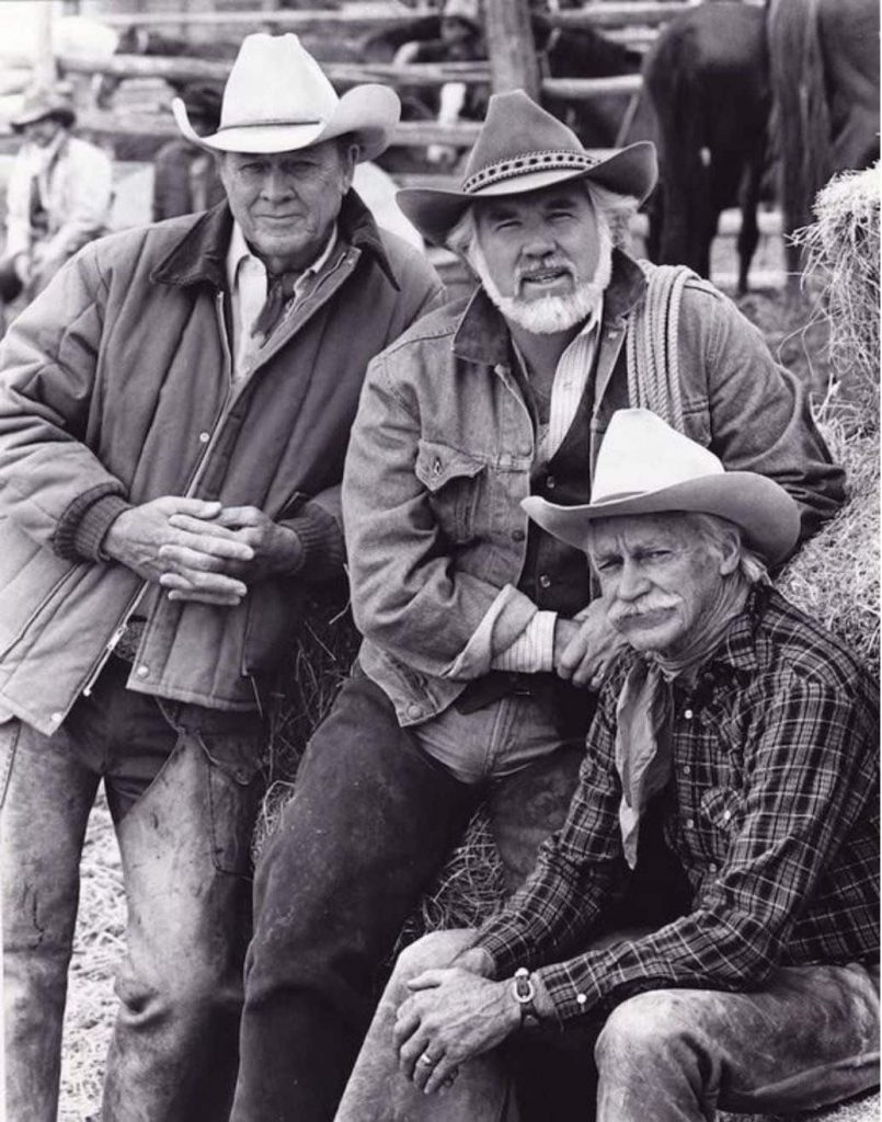 "Kenny rogers, Richard Farnsworth e Ben Johnson nel cast del film ""Wild Horses"""
