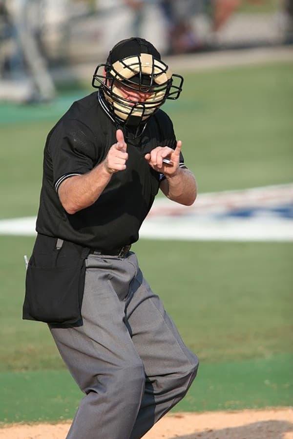 Western Heritage Baseball arbitro strike