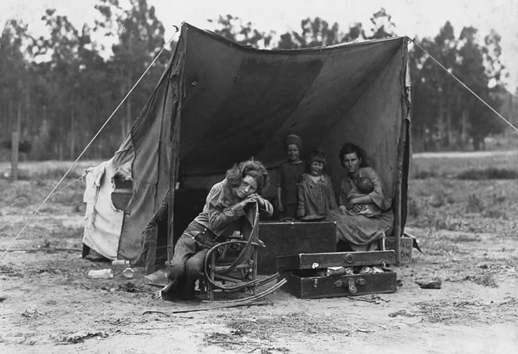 western heriatge famiglia in campo di accoglienza in california 1936
