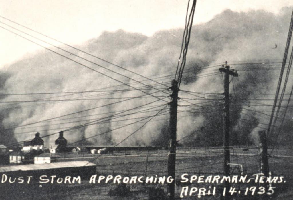 western heritage dust storm approaching Spearman