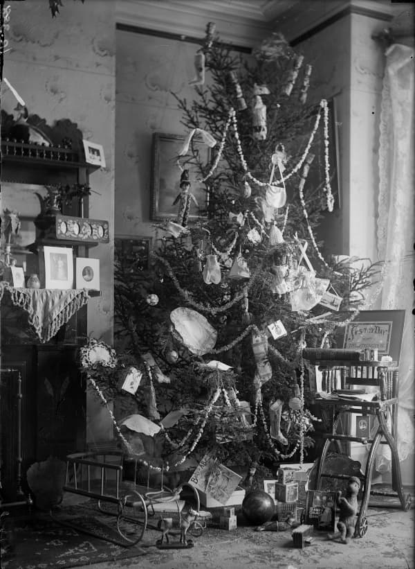 western heritage Christmas tree