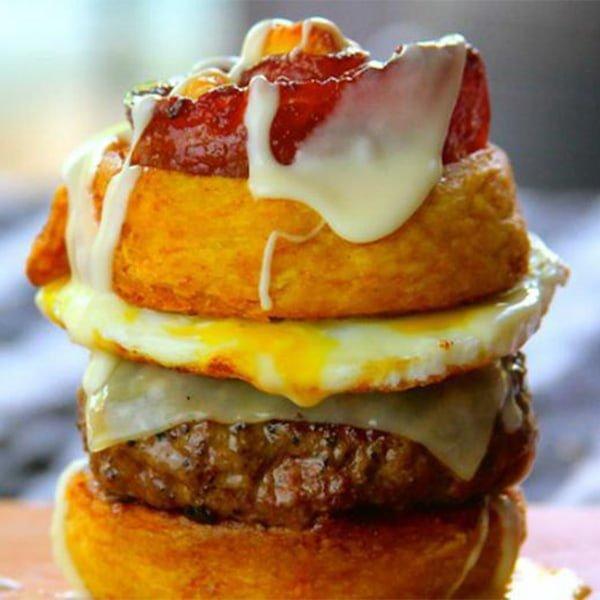 wh cinnamon rolls bacon burger